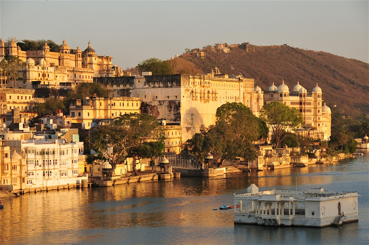 City Palace Udaipur tour packages